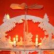 Schwibbogen mit Pyramide und Kerzen